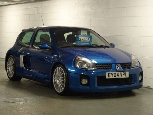 2004 Renault Clio 3.0 V6 Sport 3dr 6 SPD PHASE II FACE LIFT For Sale (picture 1 of 6)