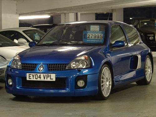 2004 Renault Clio 3.0 V6 Sport 3dr 6 SPD PHASE II FACE LIFT For Sale (picture 2 of 6)