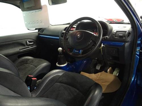 2004 Renault Clio 3.0 V6 Sport 3dr 6 SPD PHASE II FACE LIFT For Sale (picture 5 of 6)