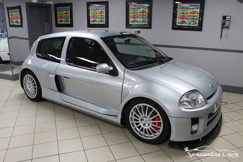 2002 Renault Clio Sport V6 24V For Sale (picture 2 of 6)