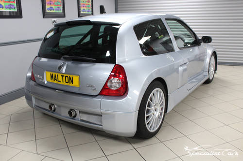 2002 Renault Clio Sport V6 24V For Sale (picture 5 of 6)
