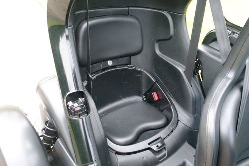 RENAULT TWIZY URBAN.. ELECTRIC POWER + TAX FREE.. LOW MILES SOLD (picture 3 of 4)