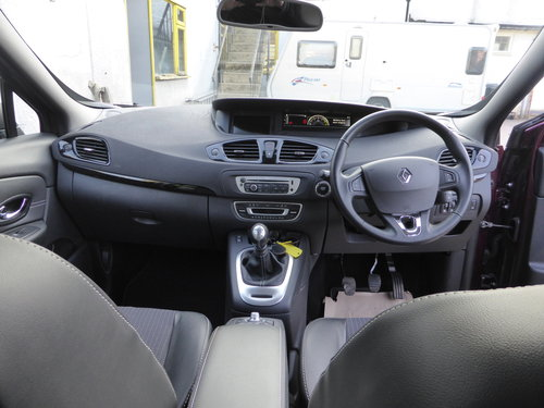 2014 Renault Grand Scenic Dynamique TomTom dCi 110 SOLD (picture 6 of 6)