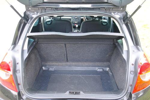 2007 Renault Clio 1 4 16v Dynamique S  3 Door  Black  Body Kit