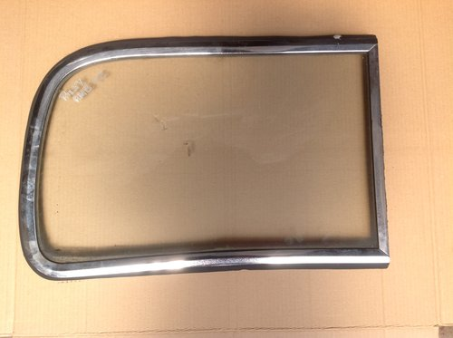 Riley RM Os right hand front windscreen & surround  SOLD (picture 1 of 1)