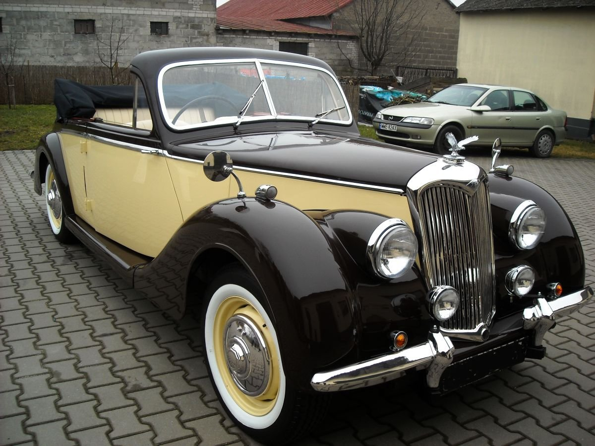 RILEY 1952 SOLD (picture 1 of 6)