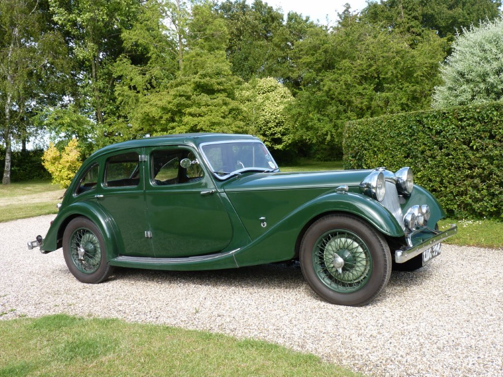 1938 Riley Kestrel 12/4 Six-Light Saloon For Sale (picture 1 of 6)