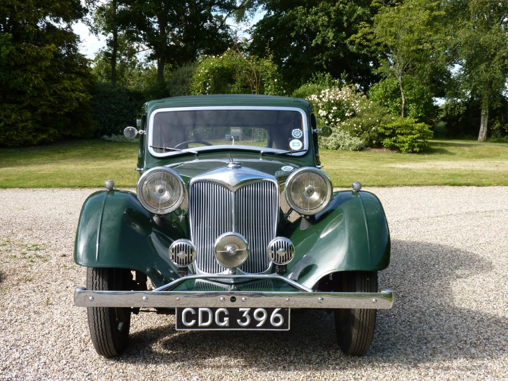 1938 Riley Kestrel 12/4 Six-Light Saloon For Sale (picture 3 of 6)