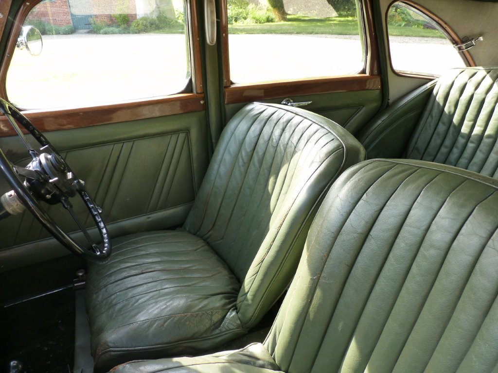 1938 Riley Kestrel 12/4 Six-Light Saloon For Sale (picture 2 of 6)