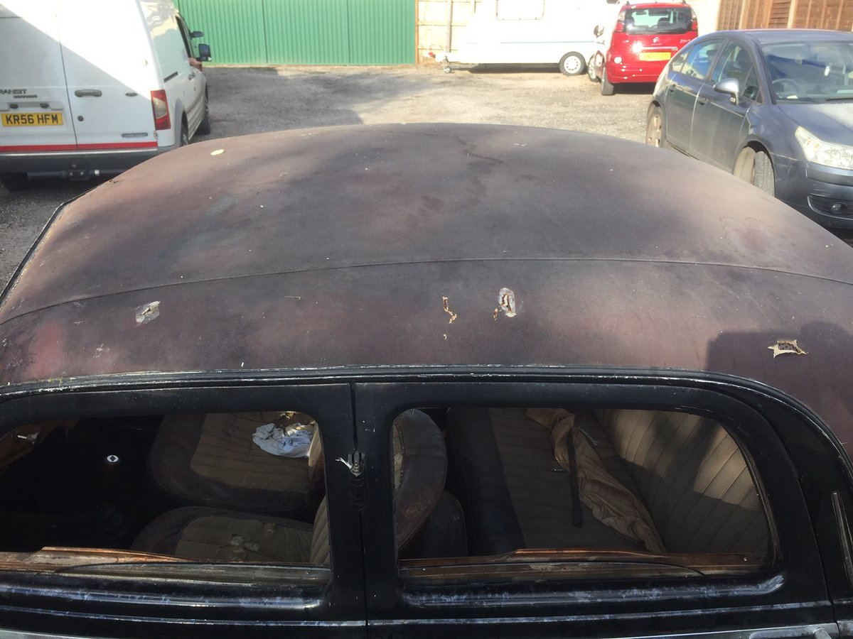 1948 Riley RMA Black with Maroon Roof SOLD (picture 4 of 6)