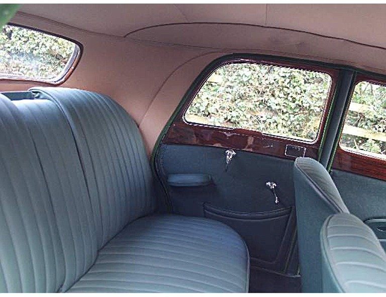 1951 Riley RMB 2.5 litre Saloon. Fully restored! For Sale (picture 3 of 6)