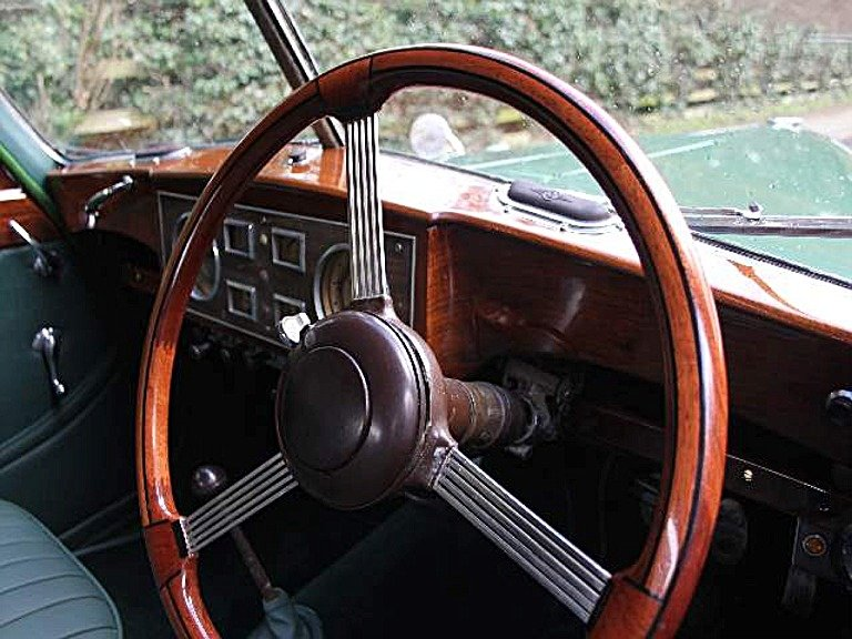 1951 Riley RMB 2.5 litre Saloon. Fully restored! For Sale (picture 4 of 6)