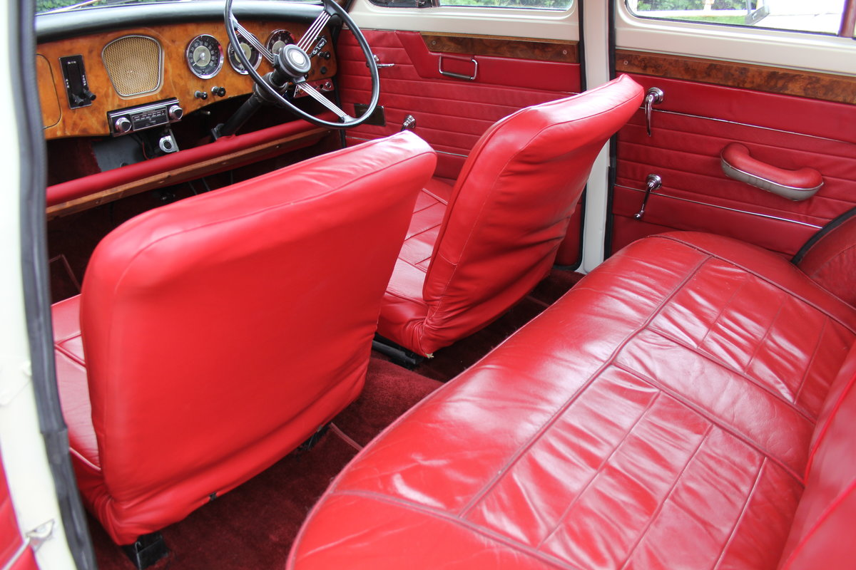 1961 Riley 1.5 - Highly upgraded with 1798cc engine/5 speed SOLD (picture 13 of 20)