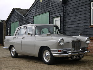 RILEY 4/72 AUTO - RESTORED CAR WITH INTERESTING HISTORY !!