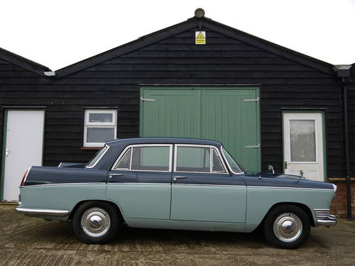 1967 RILEY 4/72 AUTOMATIC SALOON - OUTSTANDING AND VERY RARE! SOLD (picture 3 of 6)