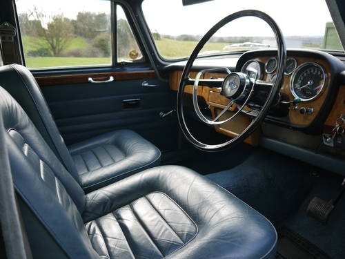 1967 RILEY 4/72 AUTOMATIC SALOON - OUTSTANDING AND VERY RARE! SOLD (picture 4 of 6)