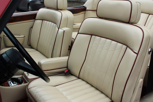 Rolls Royce Corniche II Convertible (LHD) 1988 For Sale (picture 4 of 6)