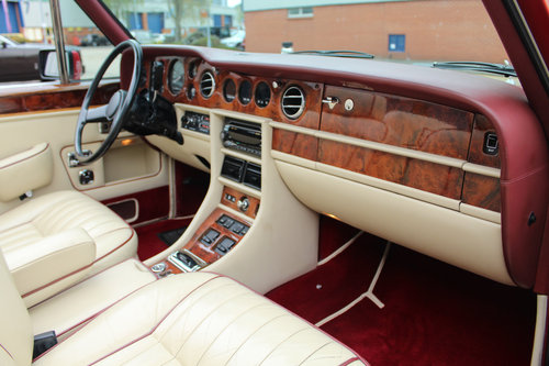 Rolls Royce Corniche II Convertible (LHD) 1988 For Sale (picture 5 of 6)
