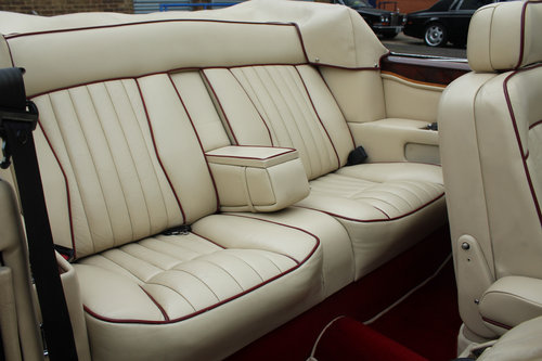 Rolls Royce Corniche II Convertible (LHD) 1988 For Sale (picture 6 of 6)