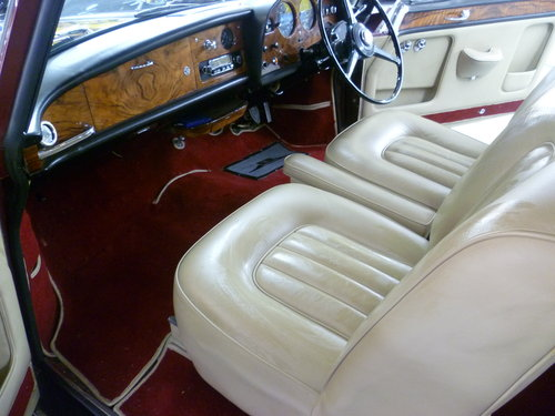 1965 Silver Cloud 111 Fixed head coupe For Sale (picture 2 of 2)