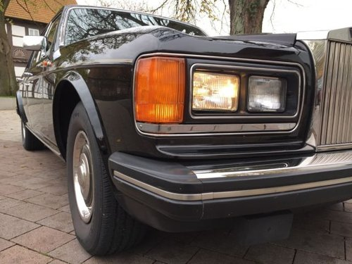 1985 Black with red leather , a dream Silver Spirit ! For Sale (picture 4 of 6)