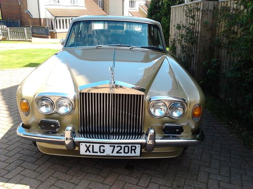 1976 Rolls Royce Silver Shadow 1 in Willow Gold For Sale (picture 1 of 6)