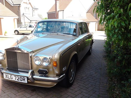 1976 Rolls Royce Silver Shadow 1 in Willow Gold For Sale (picture 2 of 6)