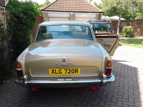 1976 Rolls Royce Silver Shadow 1 in Willow Gold For Sale (picture 4 of 6)
