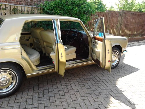 1976 Rolls Royce Silver Shadow 1 in Willow Gold For Sale (picture 6 of 6)
