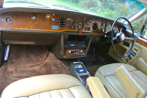 1974 ROLLS ROYCE CORNICHE COUPE      FHC   HISTORY FROM NEW For Sale (picture 4 of 6)