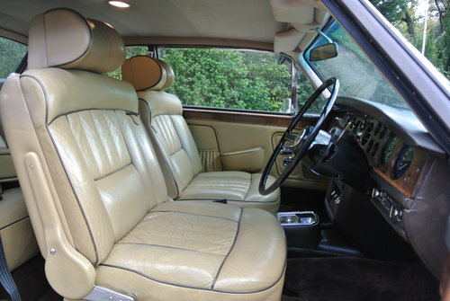 1974 ROLLS ROYCE CORNICHE COUPE      FHC   HISTORY FROM NEW For Sale (picture 5 of 6)