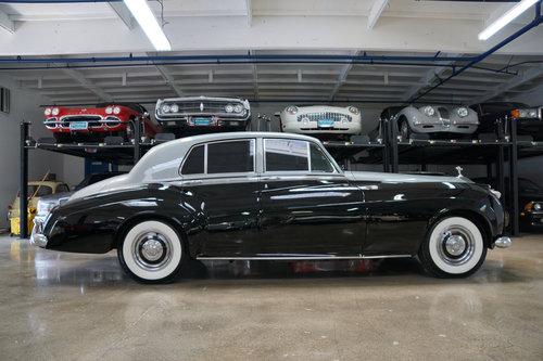 1960 Rolls Royce Silver Cloud II LHD V8 Sedan SOLD (picture 3 of 6)