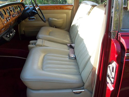 1968 ROLLS-ROYCE SILVER SHADOW SOLD (picture 3 of 6)