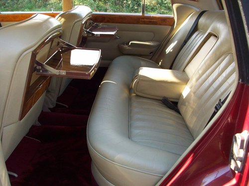 1968 ROLLS-ROYCE SILVER SHADOW SOLD (picture 4 of 6)