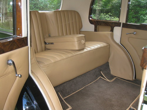 1938 Rolls-Royce 25/30 with Coachwork by James Young For Sale (picture 4 of 6)
