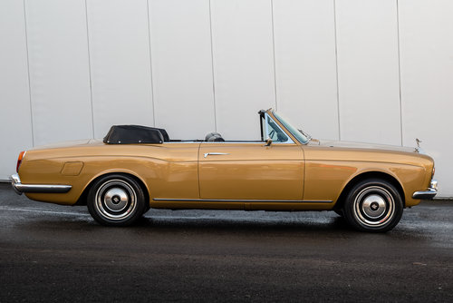 1973 Rolls Royce Corniche Convertible-Only 26552 Miles For Sale (picture 3 of 6)