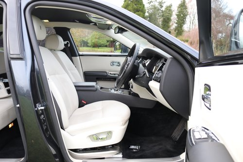 2011 ROLLS-ROYCE GHOST   For Sale (picture 4 of 5)