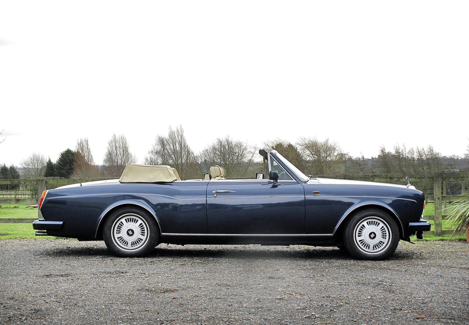 1989 Rolls-Royce Corniche II Convertible **SOLD** For Sale (picture 2 of 6)
