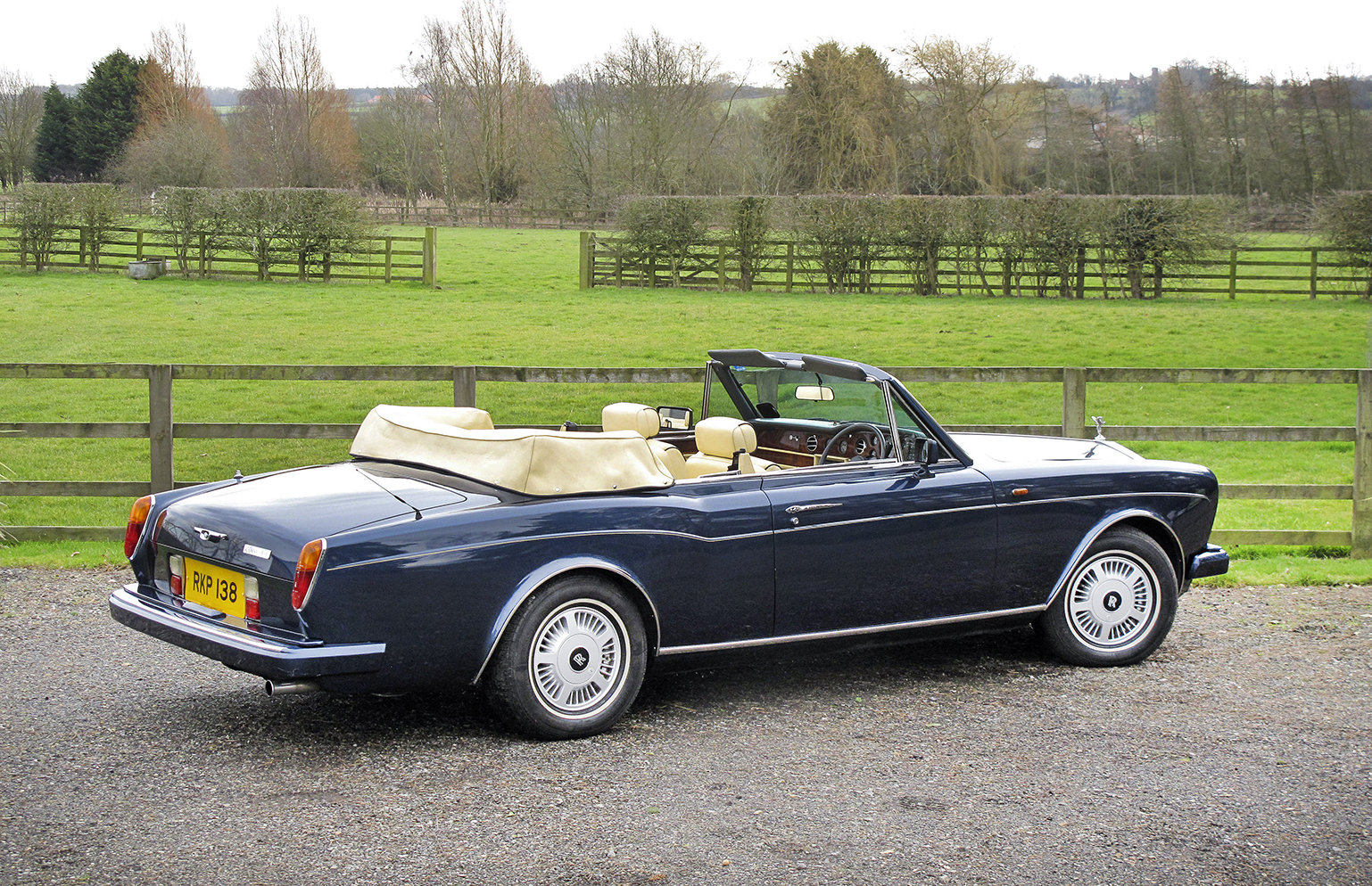 1989 Rolls-Royce Corniche II Convertible **SOLD** For Sale (picture 3 of 6)