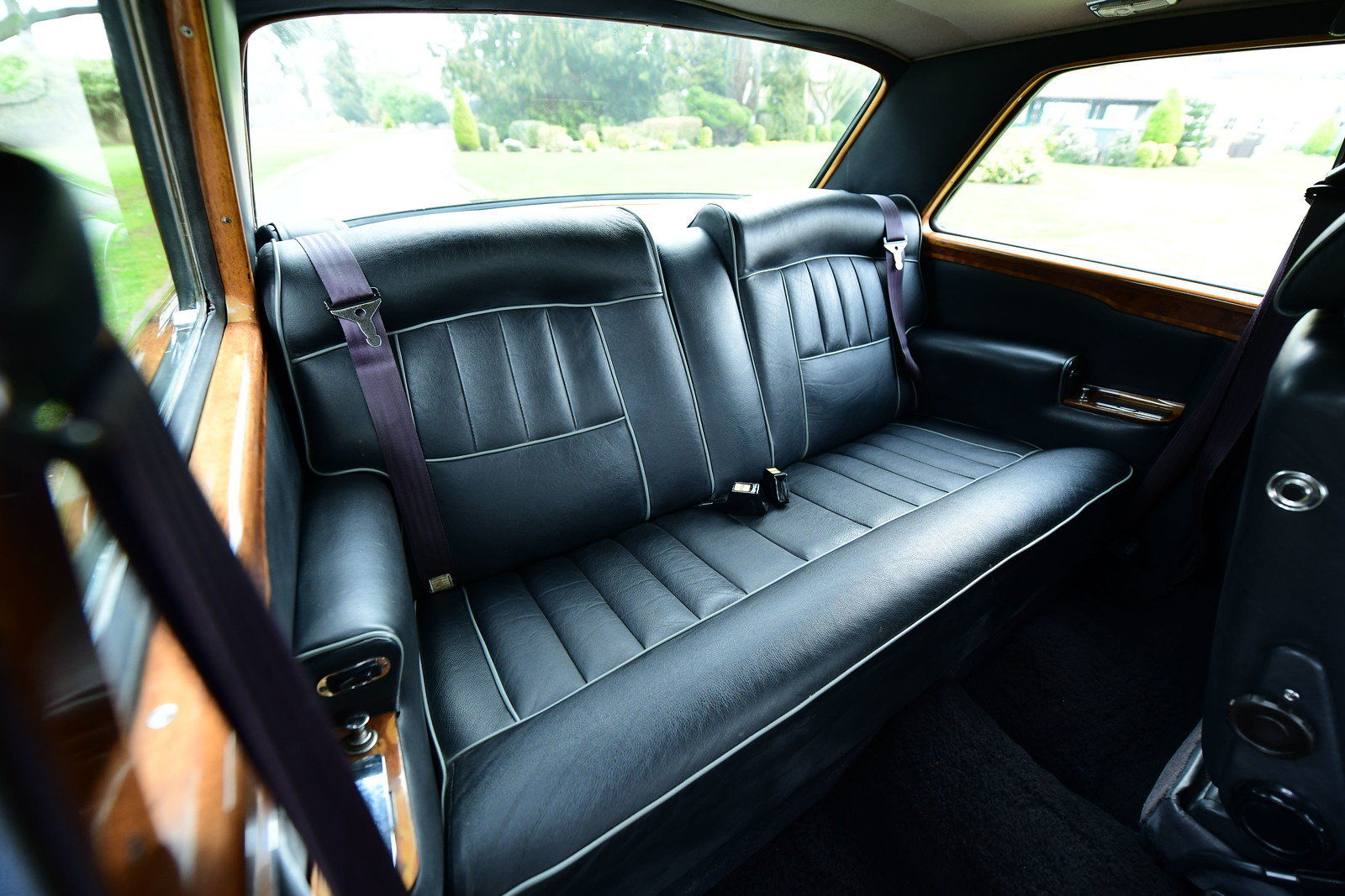 1976 Rolls Royce Corniche II Coupe LHD SOLD (picture 5 of 6)