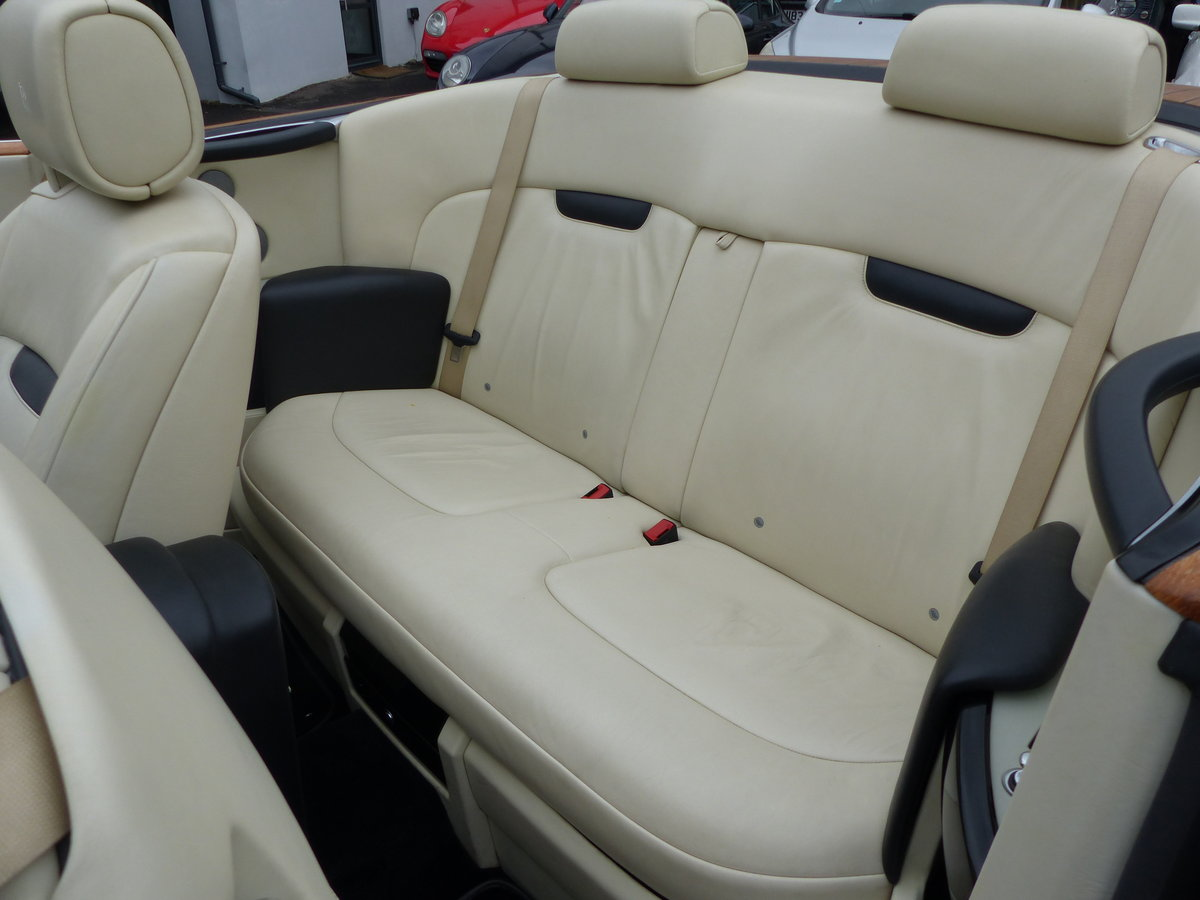 2007 ROLLS-ROYCE PHANTOM DROPHEAD 6.7 V12 AUTO + LEFT HAND DRIVE For Sale (picture 5 of 6)