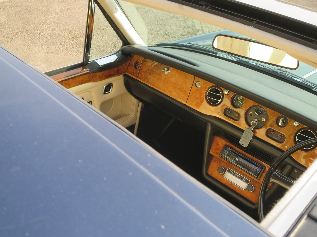 1974 Rolls-Royce Corniche FHC SOLD (picture 5 of 6)