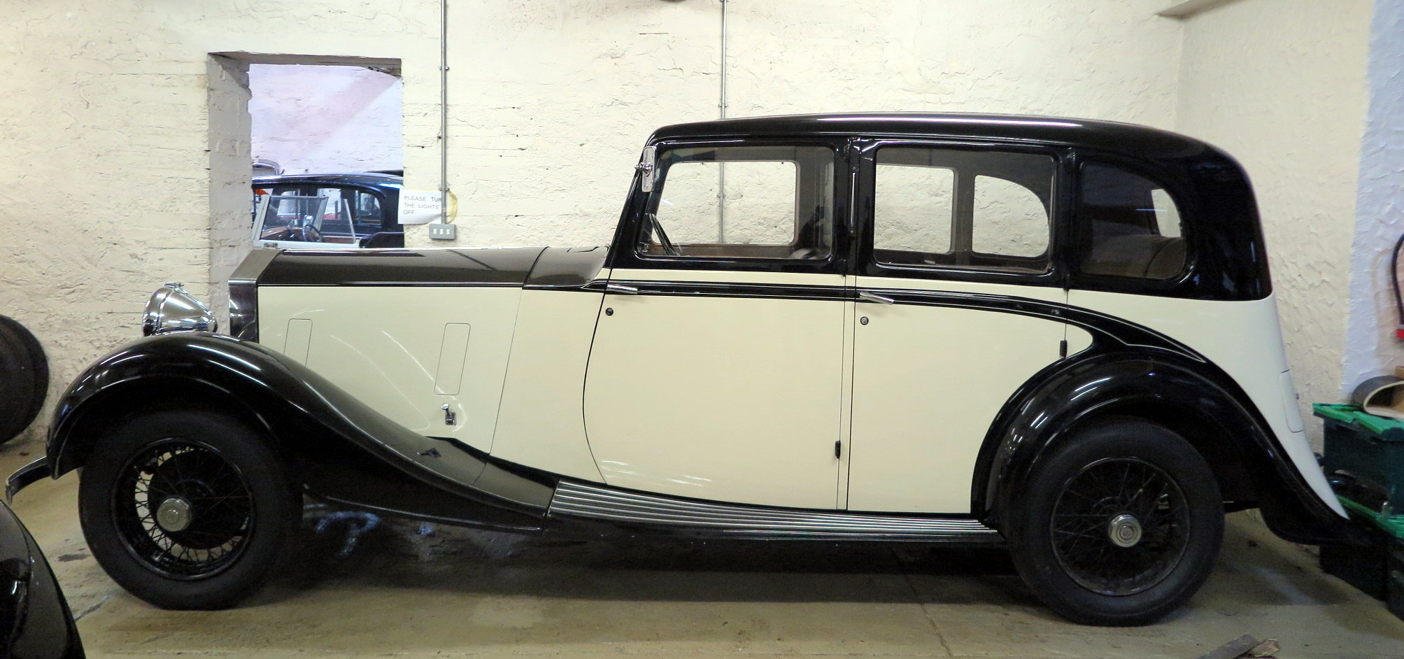 1938 Rolls-Royce 25/30 Park Ward Limousine Project GGR61 SOLD (picture 2 of 6)