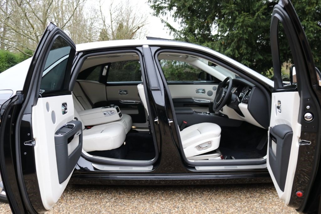 2014 ROLLS-ROYCE GHOST   For Sale (picture 5 of 5)