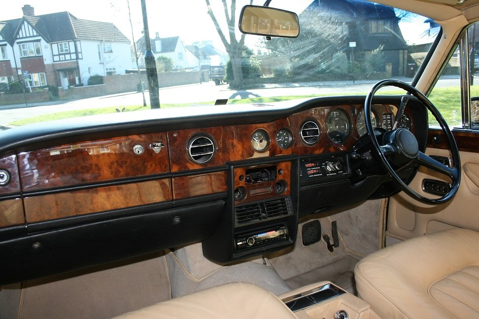 1977 Rolls-Royce Silver Shadow ll SOLD (picture 3 of 6)