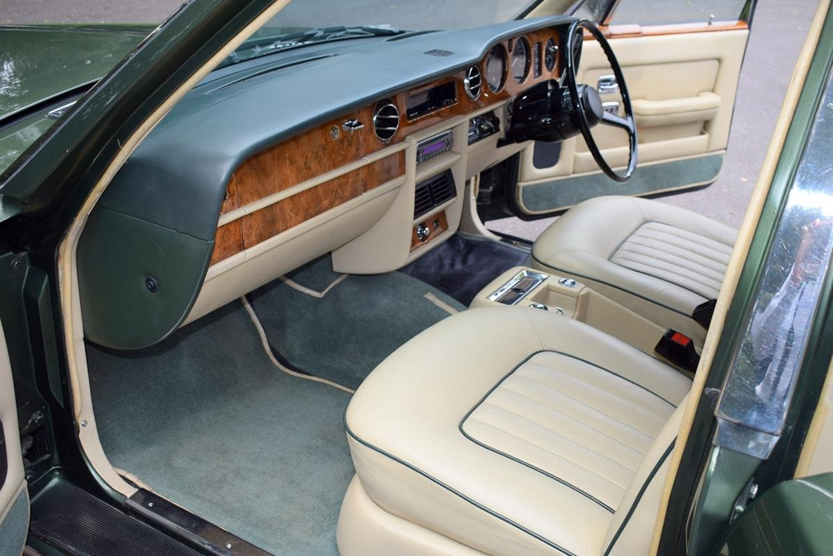 1984 A Rolls Royce Silver Spirit in Forest Green For Sale (picture 2 of 6)