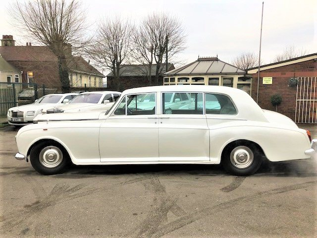 Rolls royce phantom v1 1971 state limousine For Sale (picture 1 of 6)