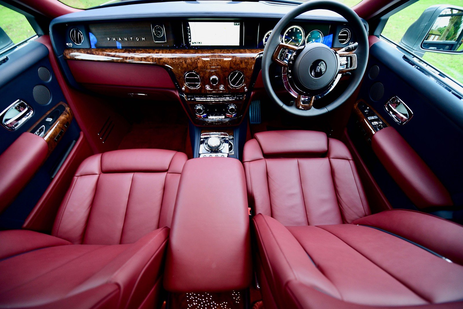 2019 Rolls Royce Phantom 8 For Sale (picture 4 of 6)