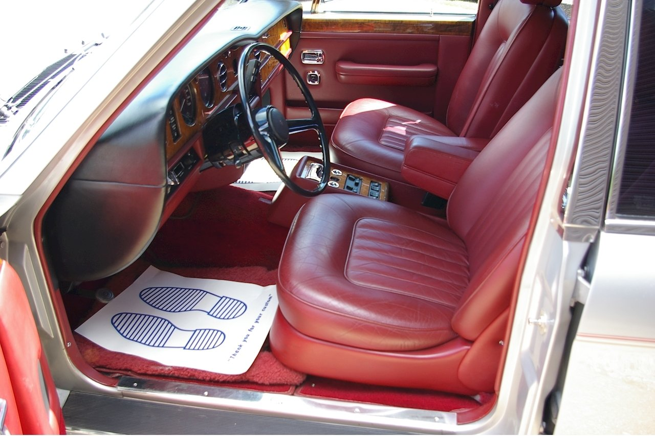 1987 Rolls Royce Silver Spirit I Saloon Auto LHD (24,526 miles) For Sale (picture 4 of 6)