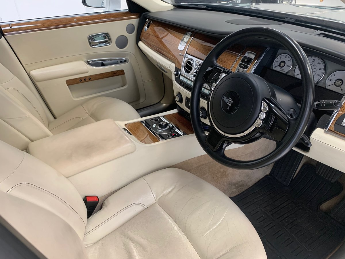 2011 Huge Specification, Fully RR Main Dealer SH, Stunning For Sale (picture 3 of 6)